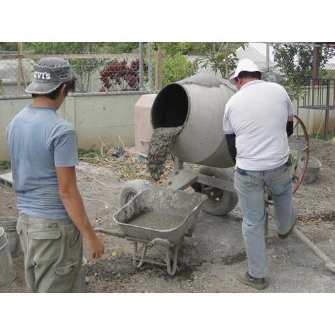 A betonozás utolsó lépése a beton elsimítása
