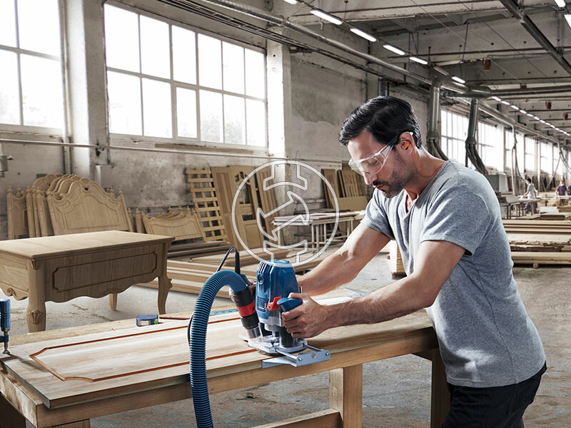 Bosch GOF 130 elektromos felsőmaró