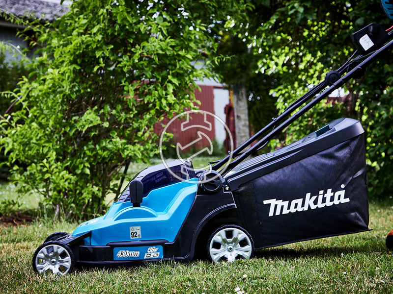 Makita DLM432PT2 akkus fűnyíró